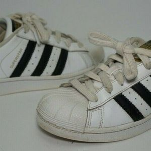 Adidas Superstar Youth Size 4 White Black Shoes